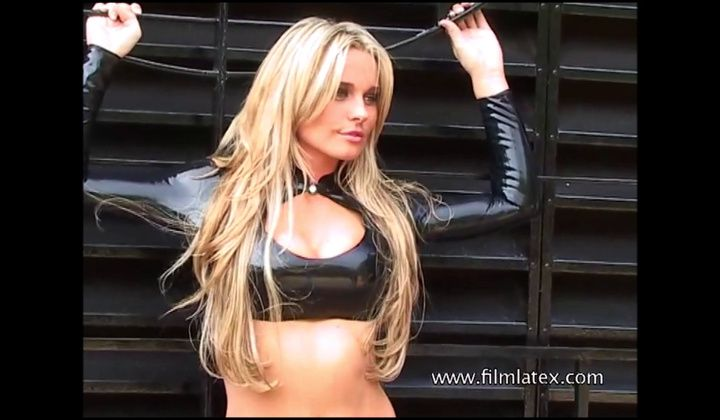 Blonde Latex Babe Amandas Outdoor High Heel Boots And Tight…